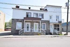 Logement 3 1/2 sur 2 étages au 593 rue de Lanaudière à Joliet
