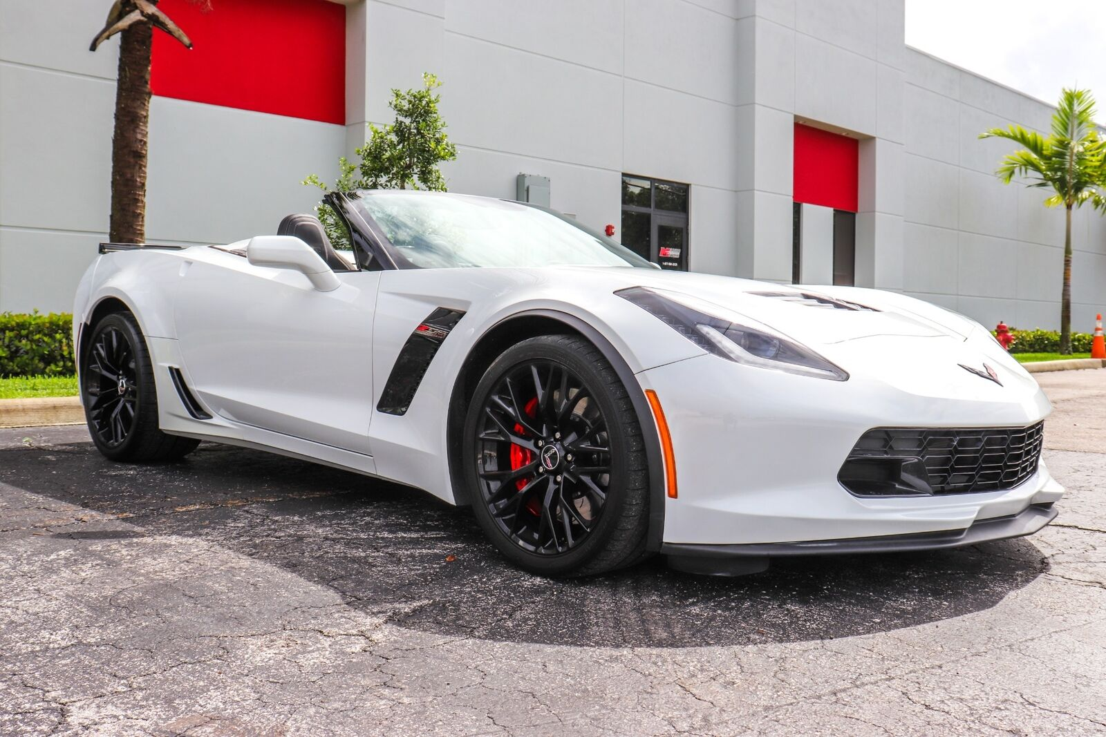 2015 White Chevrolet Corvette Z06  | C7 Corvette Photo 9