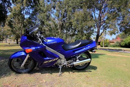 2003 Kawasaki ZZR 250