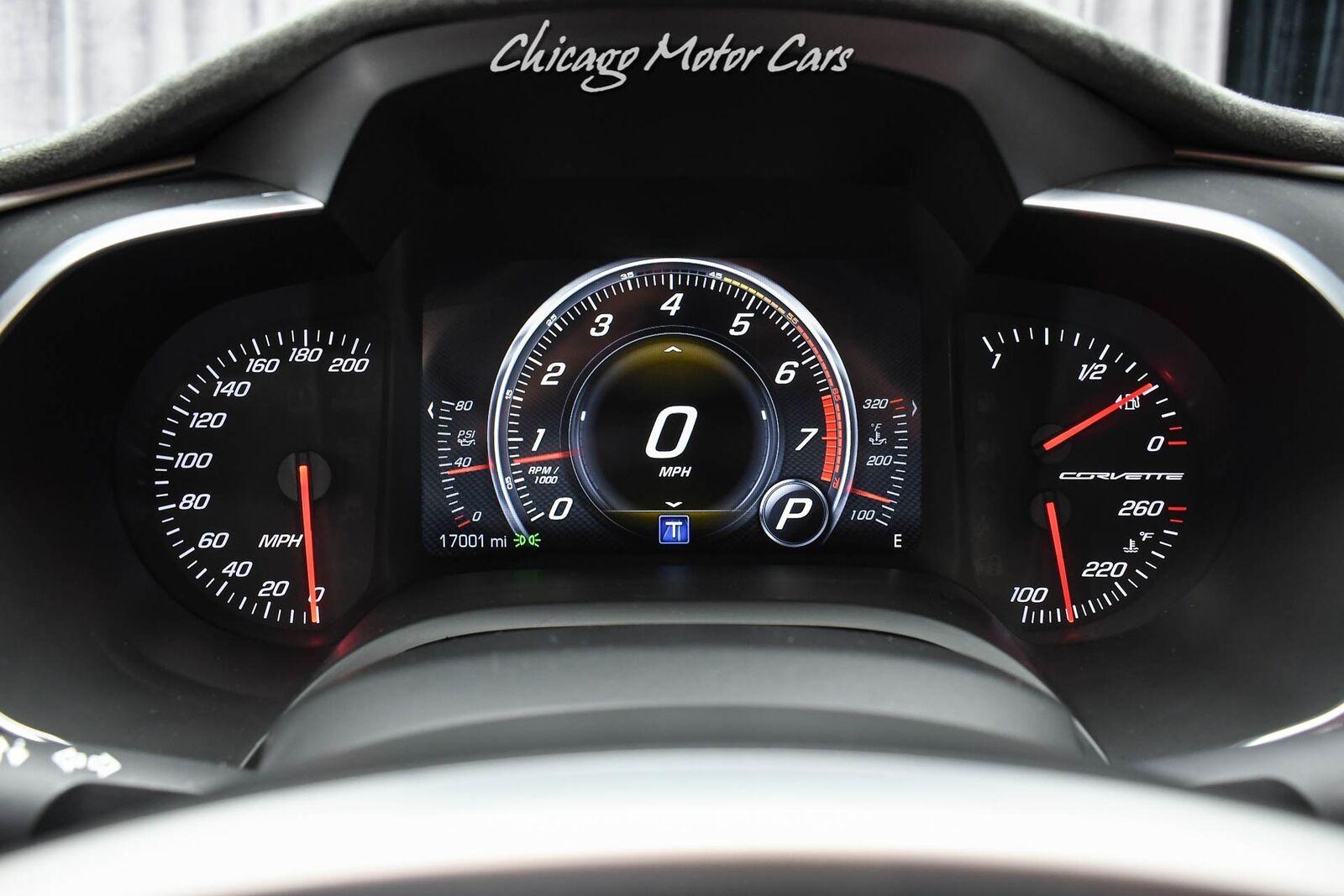 2016 White Chevrolet Corvette Stingray    C7 Corvette Photo 10