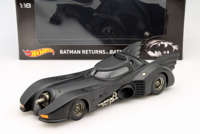 Batmobile from film Batman Returns 1992 Black 1:18 HOTWHEELS