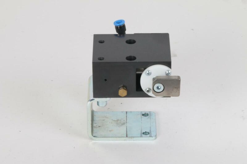 FlexLink XT XTPD D35 #5121 Pneumatic Damped Pallet Stopper 5053783 Rail Bracket