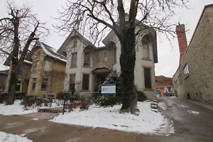 Luxury Apartment in Downtown Guelph!