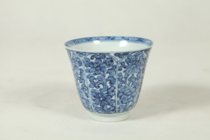 Authentic Chinese Qing dynasty Kangxi period 18th tea cup