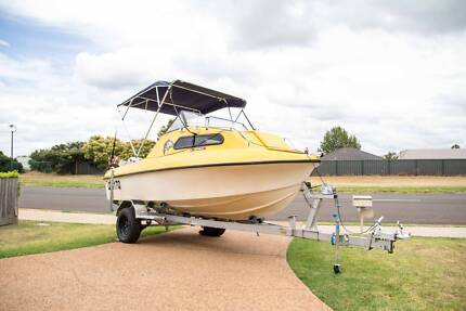 $9000 Sell/trade half cab boat in great condition