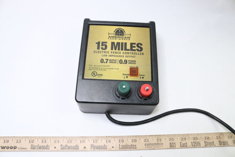 American EDC15M-AFW 15-Mile Battery Operated Low Impedance Fence Charger