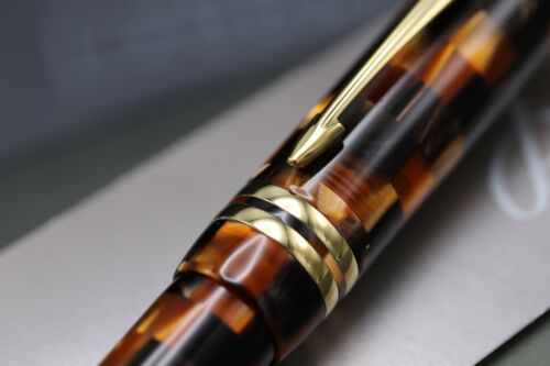 Parker Duofold Check Amber Rollerball Pen 4