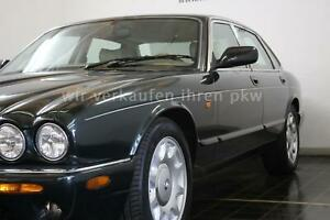 Jaguar XJ8 4.0 Sovereign British Racing green