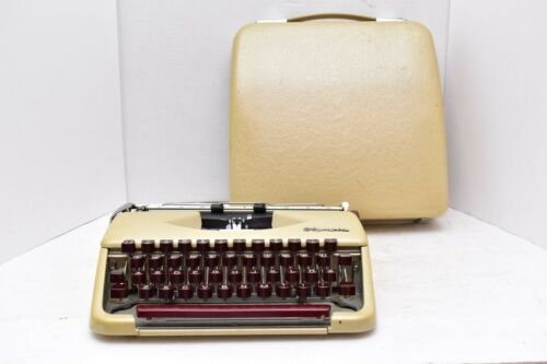 Vintage Olympia SF Deluxe Portable Compact Typewriter With Case NICE!