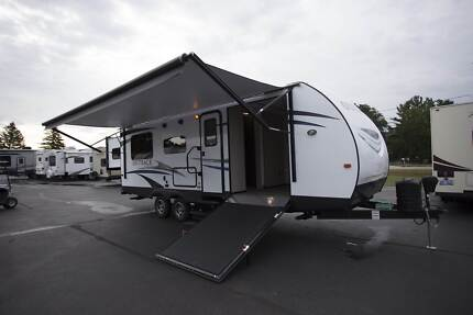 Caravan New 2018 Keystone Outback UltraLite Toy Hauler 28' Sleep8