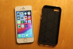 iPhone 5s with case read description