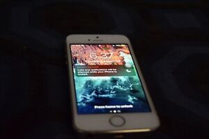 IPHONE 5S 16 GB UNLOCKED (CHEAP)