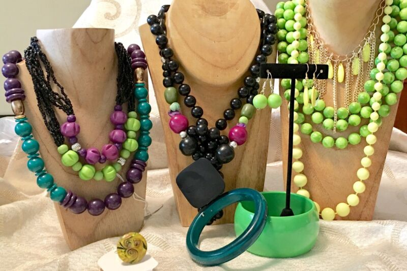Lemon/Lime Green Beads Mixed Jewelry Lot-VTG-Now-Necklaces-Bracelet-Earrings a90
