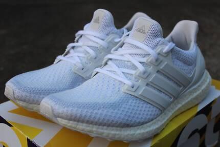 ✅ Adidas Ultra Boost 2.0 Triple White [US 9] [9/10] [Genuine]