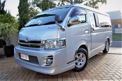 2009 Toyota Hiace 10 Seater Wide Body  Flat Roof Wagon