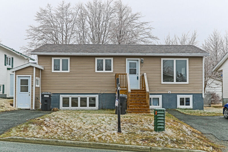 Registered two apartment with many upgrades!   Houses for ...