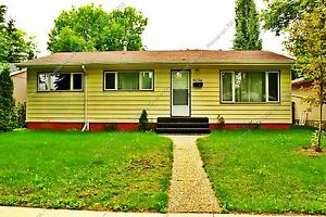 CHARACTER 4 BDRM BUNGALOW WITH DOUBLE GARAGE IN PARKVIEW