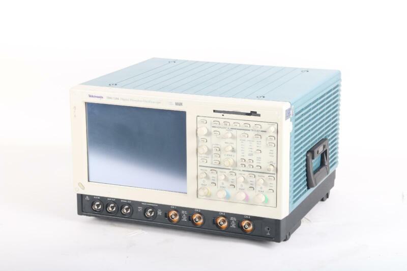 Tektronix TDS 7104, 4-Channel Digital Phosphor Oscilloscope 1 GHz DPX Technology