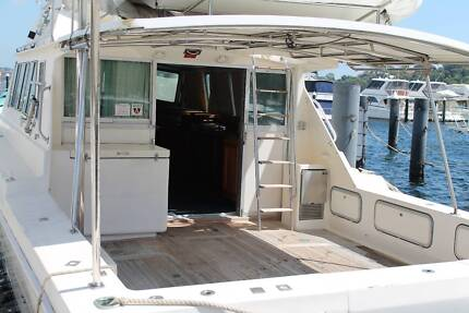 55ft Precision Sports Fisher Flybridge cruiser