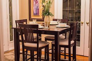 5pc. Dining / Pub Table Set - GREAT CONDITION