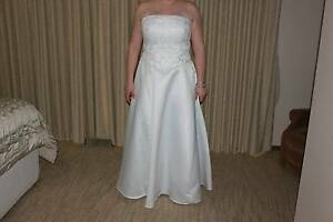 Ladies Wedding / Deb dress Sunbury Hume Area Preview