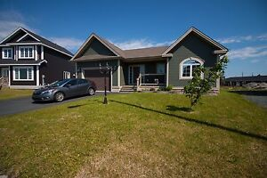 4 Bed Bungalow on Huge Lot with Garage & Drive-in Access