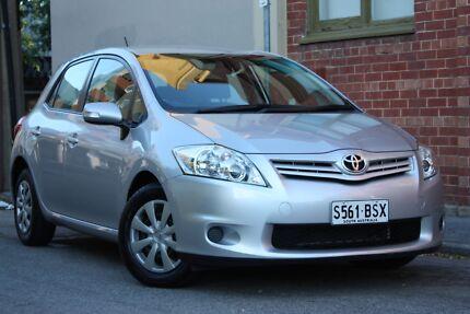2012 Corolla Auto Hatch + low km's + books