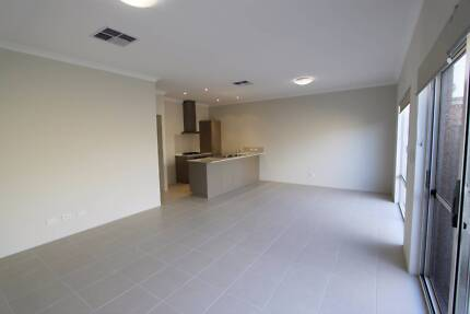 Executive style 3x2 home in the Village at Wellard