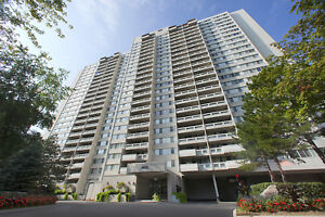 Fully Renovated 2 Bedroom In Mississauga! Steps To Square One!