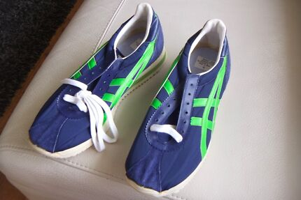 NEW TIGER Montreal 2 Sports Shoes Made In Japan Size 9