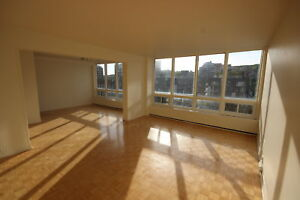 Spacious 4.5 available November  - ATWATER METRO - DOWNTOWN