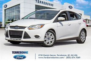 2014 Ford Focus SE HATCH BACK 8 PNEUS INCLUS