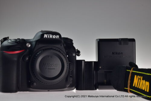 ** MINT ** Nikon D7200 24.2MP Digital Camera Body Shutter Count 2692