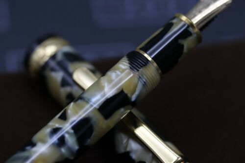 Platinum #3776 Black and Pearl Celluloid Fountain Pen - UNUSED 2