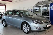 Opel Astra J Sports Tourer Innovation Automatik Xenon