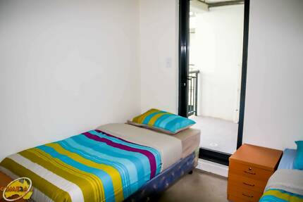 TWIN SHARED ROOM IDEAL FOR ONE MALE STUDENT TO SHARE