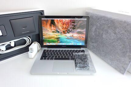 MacBook Pro 13inch 2010 + LOOKS NEW + 250gb 4gb ram + FREE post