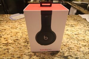Beats Pro by Dr. Dre Sound Isolating Headphone (mint*)