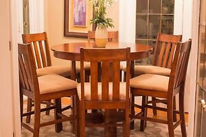 BEAUTIFUL 7pc. Pub / Dining Table Set - MINT CONDITION