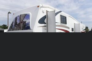 2007 crossroad Cruiser CK30SK Fifth Wheel Trailer with 3 Slide O