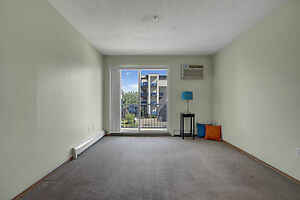 Spacious 2 Bedroom in Willowgrove w/ In-Suite Laundry + A/C!