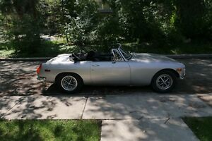 ***PRICE REDUCED***  1971 MGB $3500