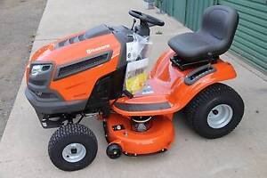 New Husqvarna 42in cut ,22hp v-twin ride on lawn mower tractor Shanes Park Blacktown Area Preview