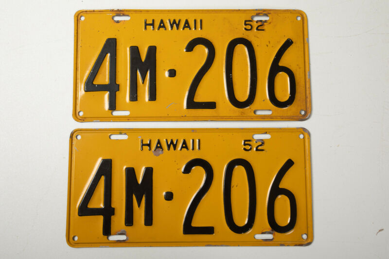 Yellow Black Hawaii License Plates Pair (P4L) 4M 206 Aloha Vintage 1952
