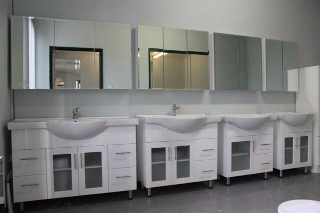 Bathroom cabinets toilets vanities wastes and tapware for Bathroom cabinets gumtree