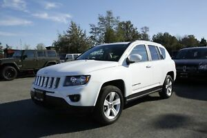 2017 Jeep Compass - LEATHER, ALLOY WHEELS, SUNROOF!