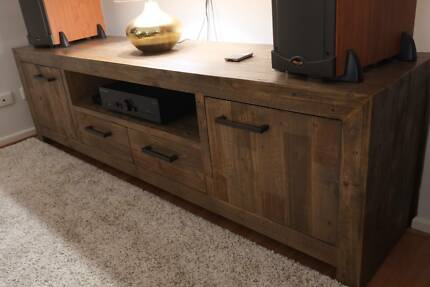 Superb Reclaimed Timber Style Entertainment Unit – Brand New