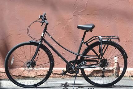 New step-through bike Chromoly frame 8speed Hydraulic disc brakes
