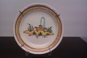 Assiette en faience xviii decor de fontaine 18eme siecle for Decoration 18eme siecle