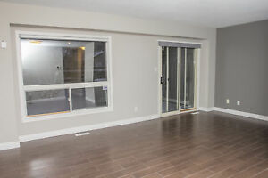 UWO/Fanshawe Student Townhouse - FREE Parking/WIFI